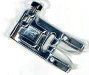 Sicksackfot med svart knapp - A (G1)
