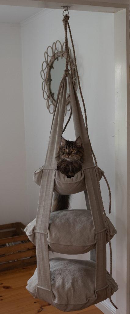 Vill du sy en fin trapets till din katt? Janome Scandinavia visar hur!