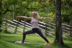 Hur du syr träningskläder i stretchiga tyger med Janome