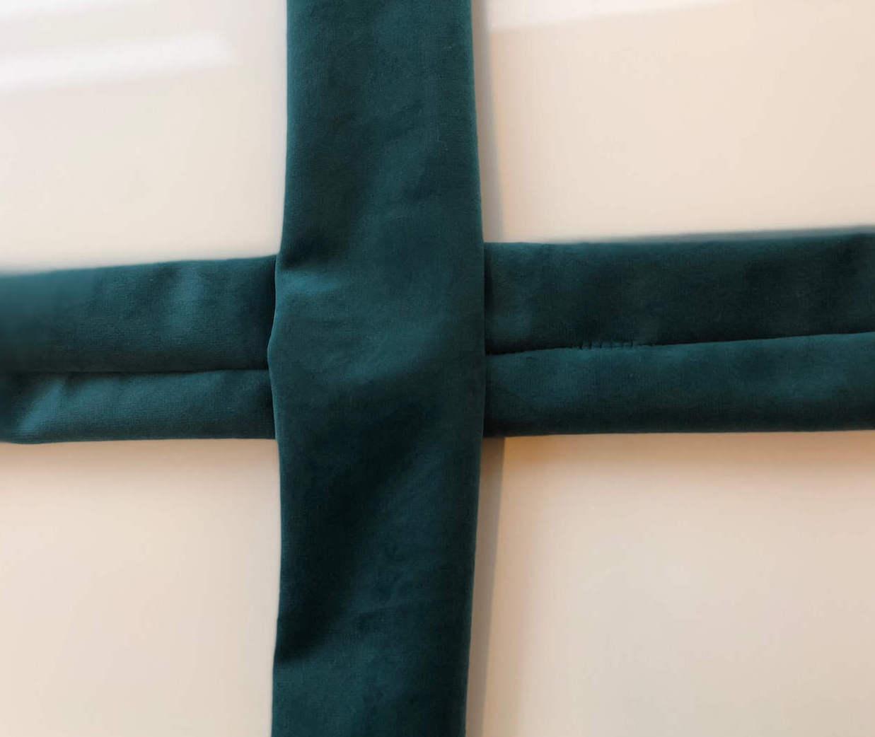 Vik hårband i grön sammet