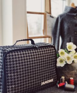 Sewing machine carrying bag